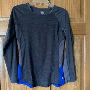 Tops - Long sleeve workout shirt